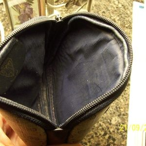 GUCCI Bags - VINTAGE GUCCI BLUE COIN CHANGE PURSE BEAUTIFUL CON